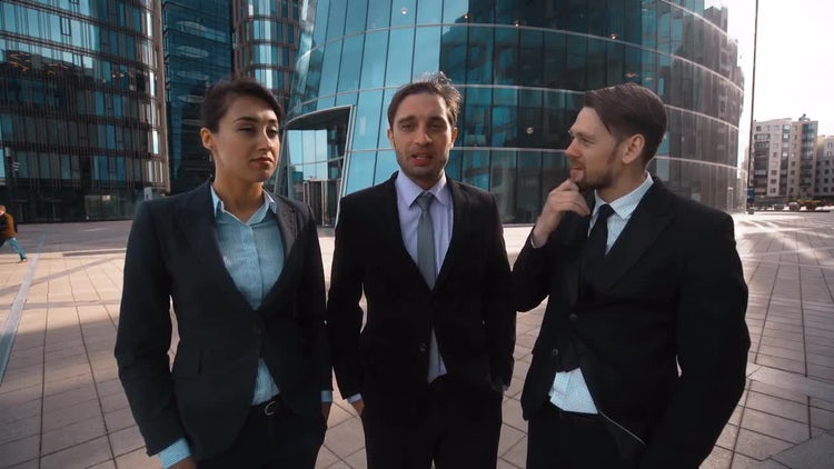 Brainstorming At Work: Stock Video