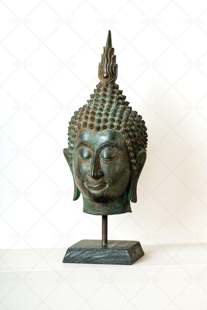 Head Of Buddha Statue: Stock Photos