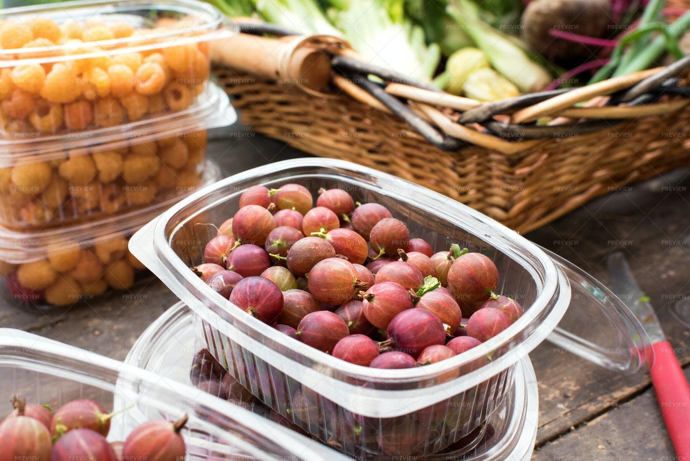 Fresh Gooseberries: Stock Photos