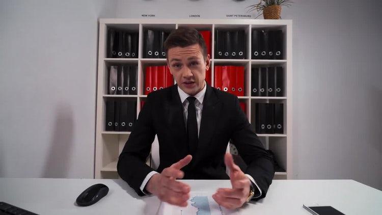 Businessman Listens, Nods: Stock Video