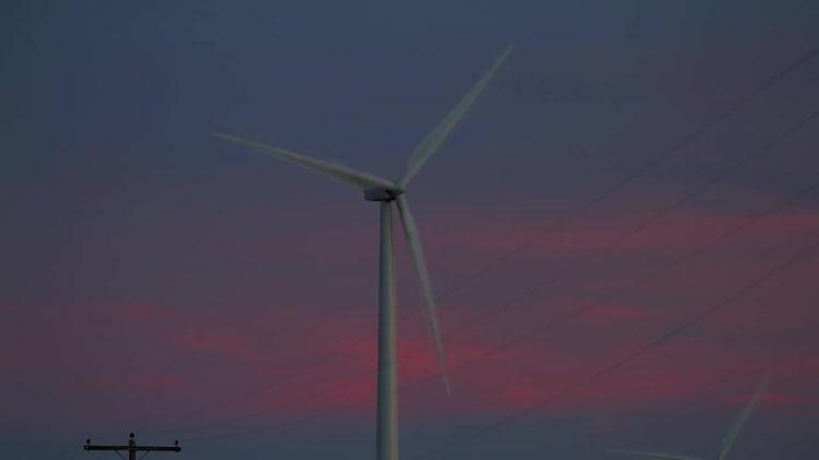 Lone propeller Wind Farm: Stock Video