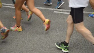 City Marathon Runners: Stock Video