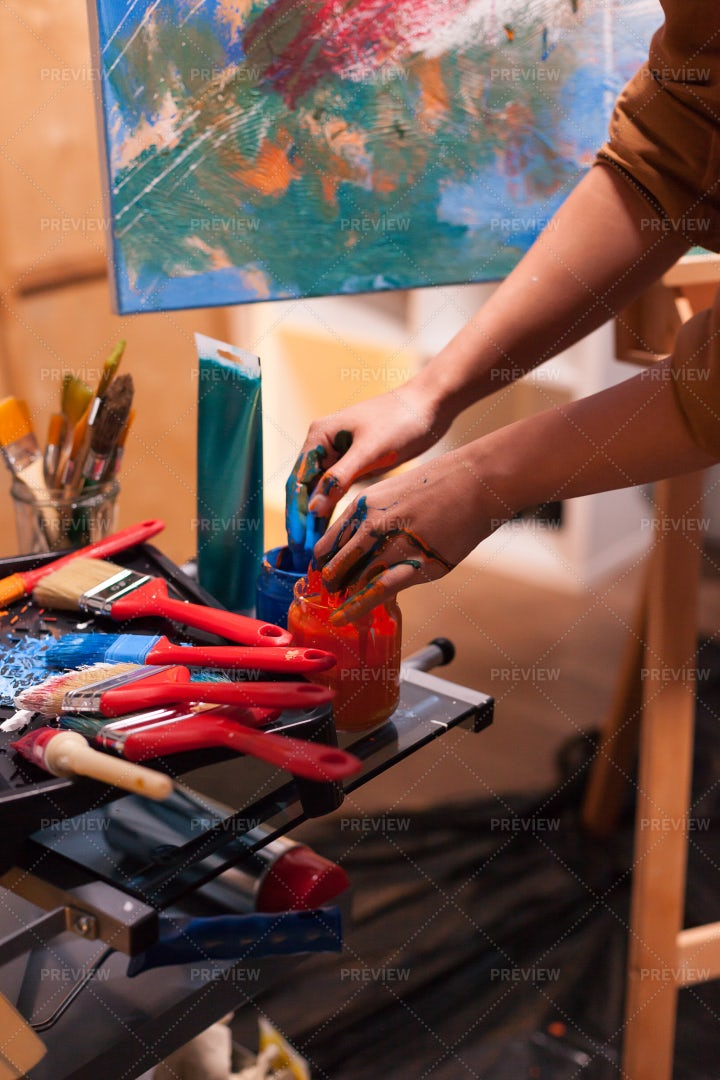 Hands Full Of Paint: Stock Photos