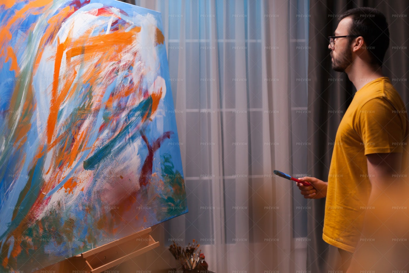 Artist Man Painting: Stock Photos