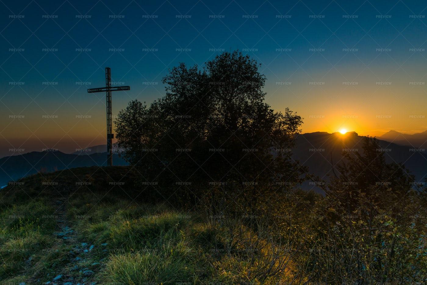 Cross In Mountain: Stock Photos