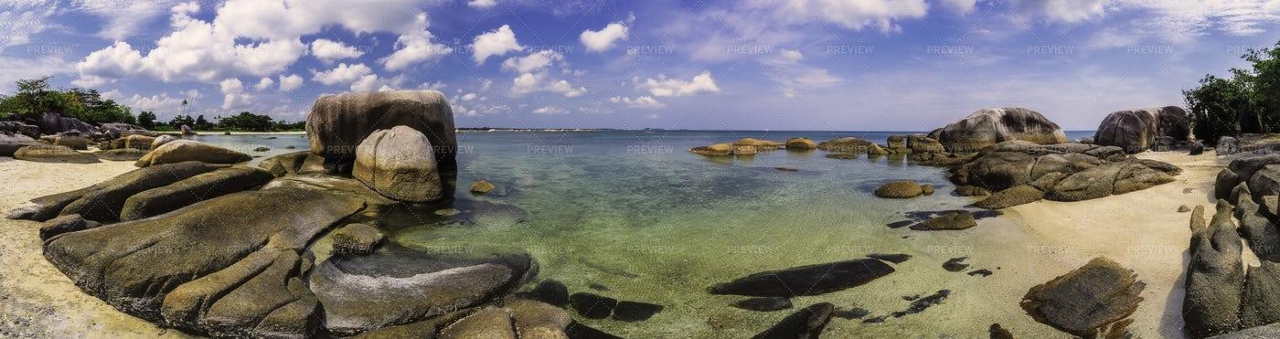 Rocky Calm Beach: Stock Photos