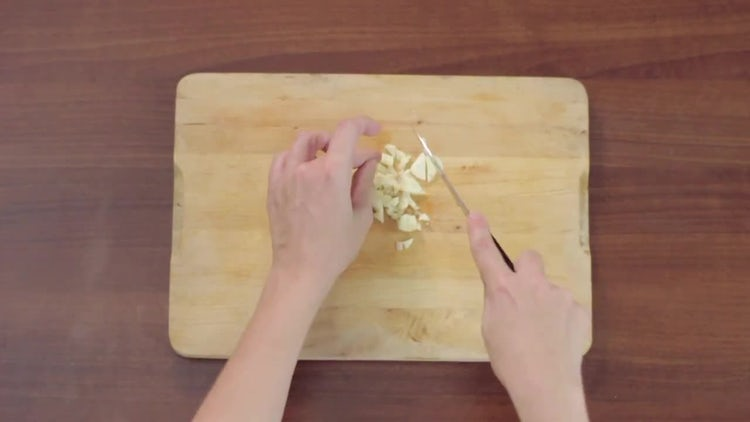 Chopping Garlic : Stock Video