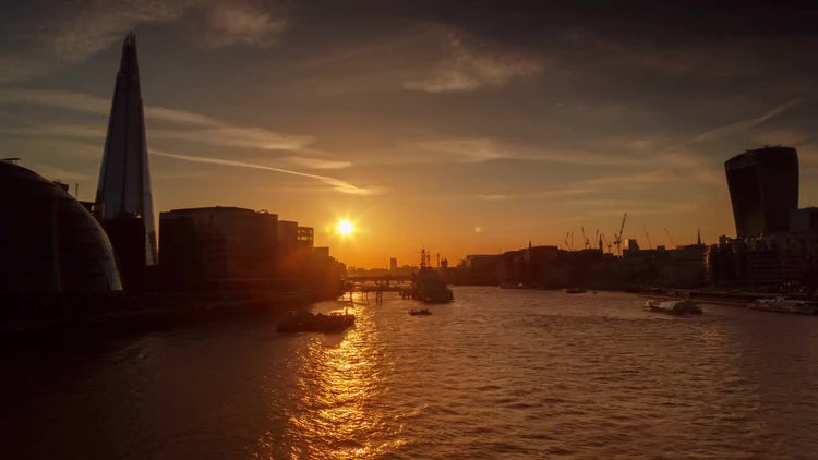 Sunset in Thames River London: Stock Video