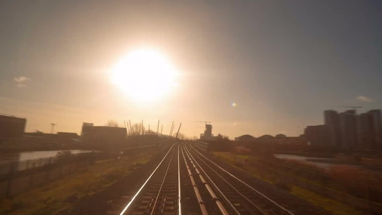 Train Journey Through London : Stock Video