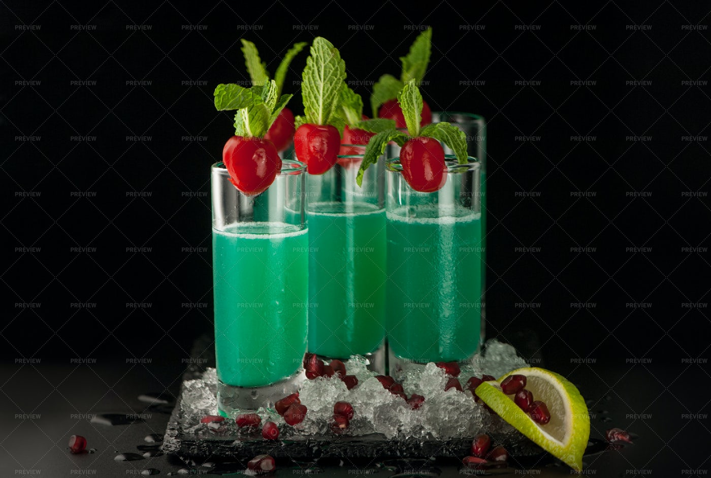 Green Drinks: Stock Photos