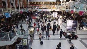 Liverpool Street Station: Stock Video