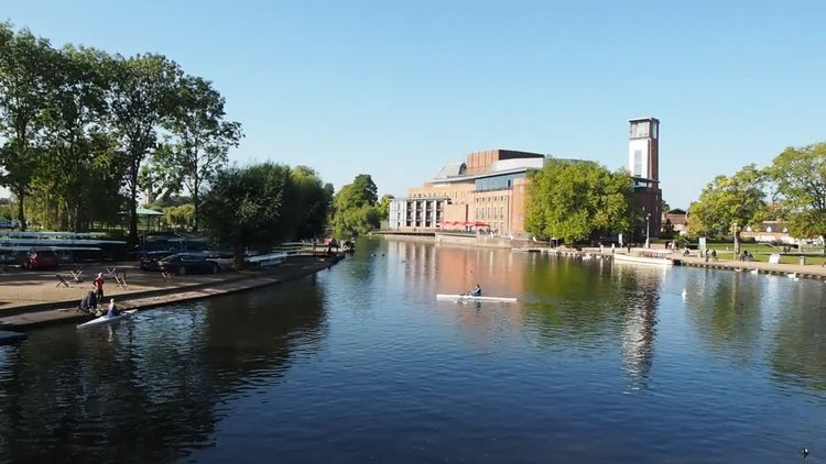 River Avon In Shakespeare's Hometown: Stock Video