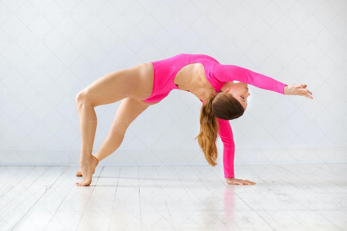 Side Plank Yoga Pose: Stock Photos
