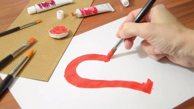 Fine Artist Drawing Red Heart : Stock Video