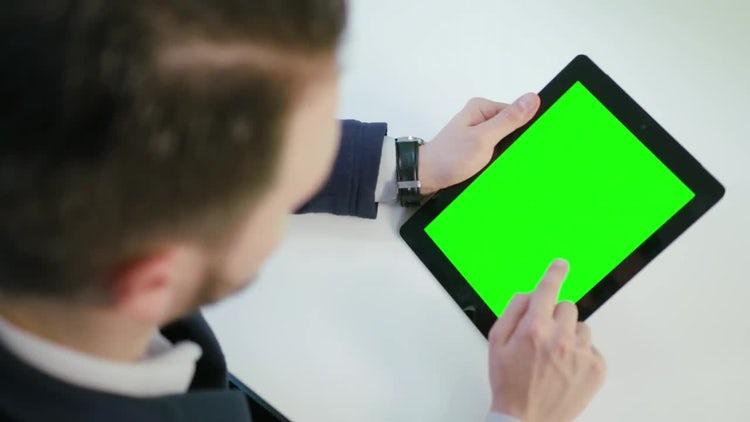 Man Using A Digital Tablet: Stock Video