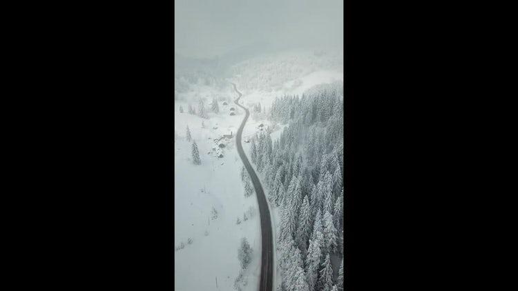 Mountain Road: Stock Video