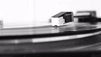 Vinyl Record On Turntable: Stock Video