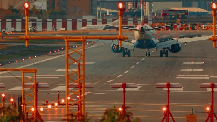 London City Airport: Stock Video