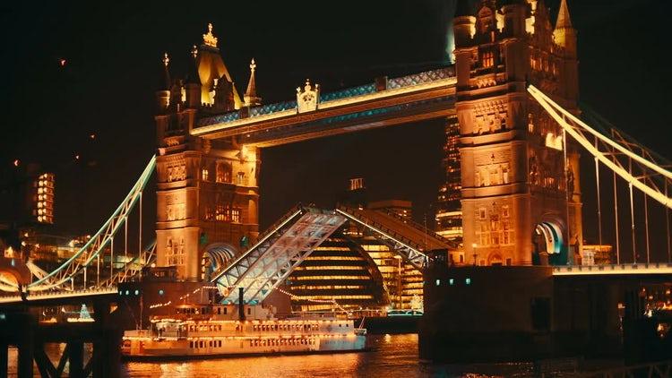 Tower Bridge London Lift Opening: Stock Video