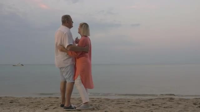Dancing On The Beach : Stock Video