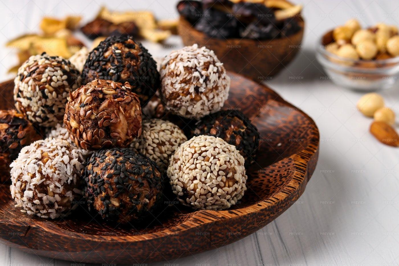 Healthy Energy Balls: Stock Photos