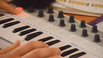 Testing MIDI Keyboard Controller : Stock Video