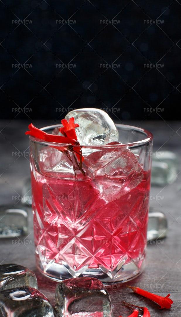 Cosmopolitan Cocktail: Stock Photos