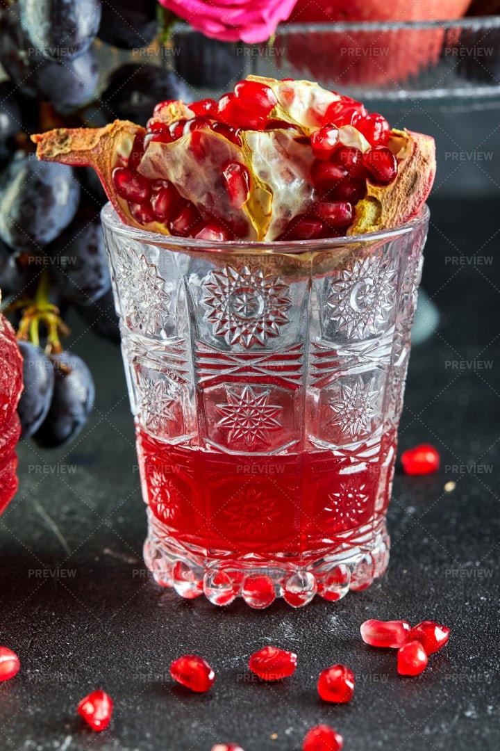 Pomegranate Juice: Stock Photos