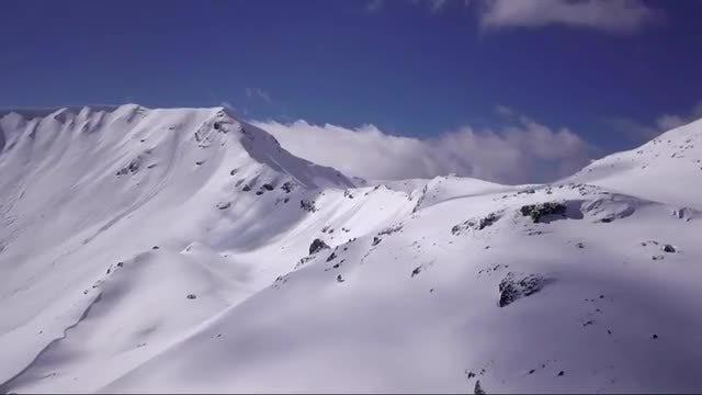 Epic snow mountain reveal: Stock Video