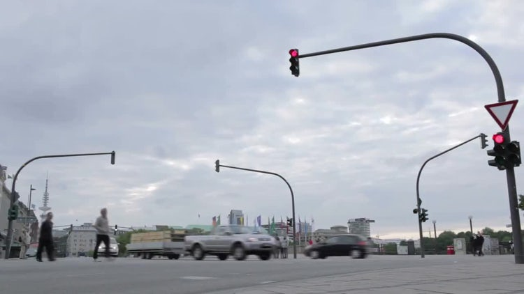 Time-Lapse Of A Busy Crossroad: Stock Video
