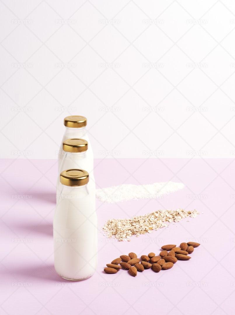 Vegetarian Milk: Stock Photos