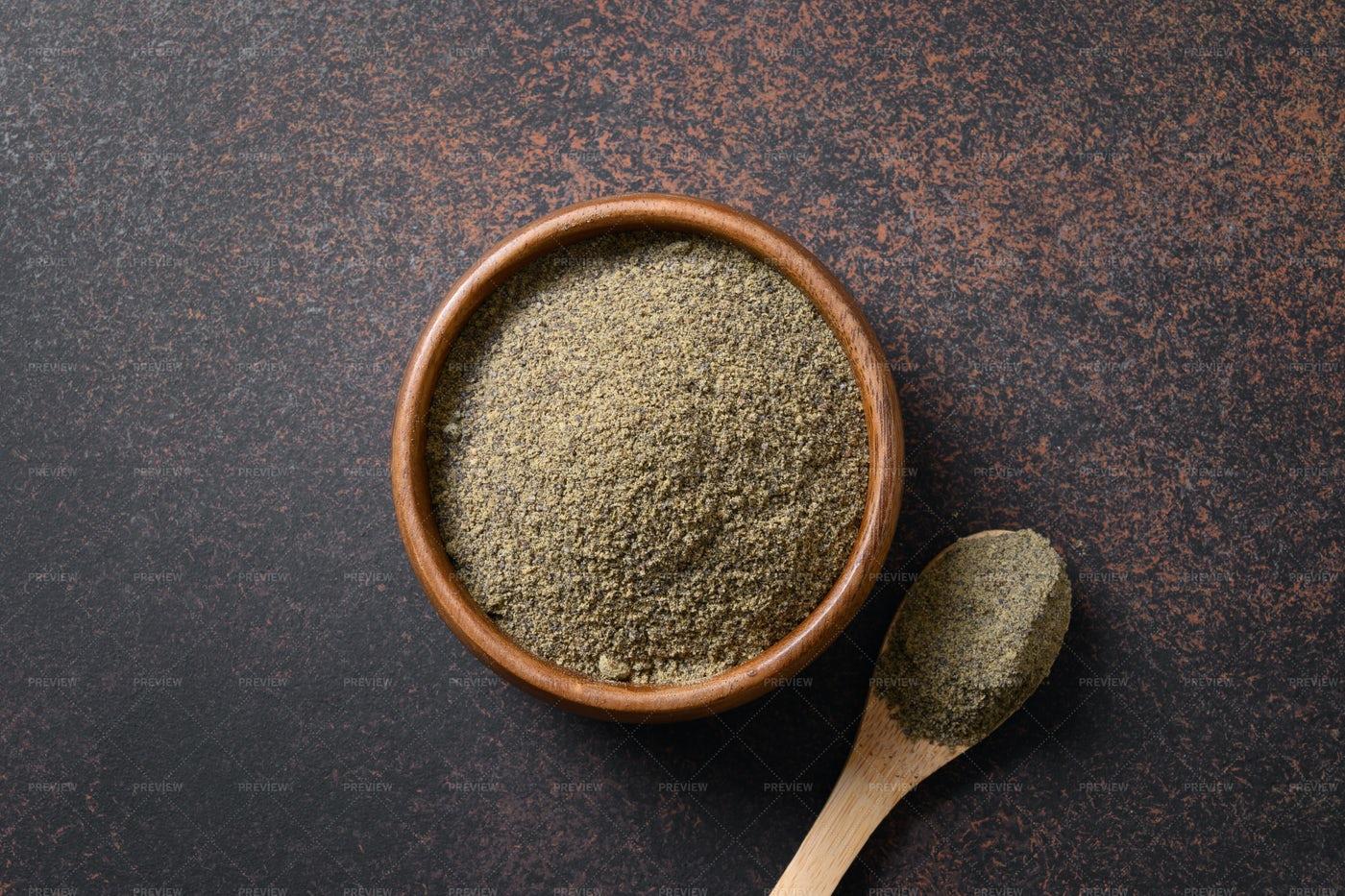Dried Hemp Flour: Stock Photos