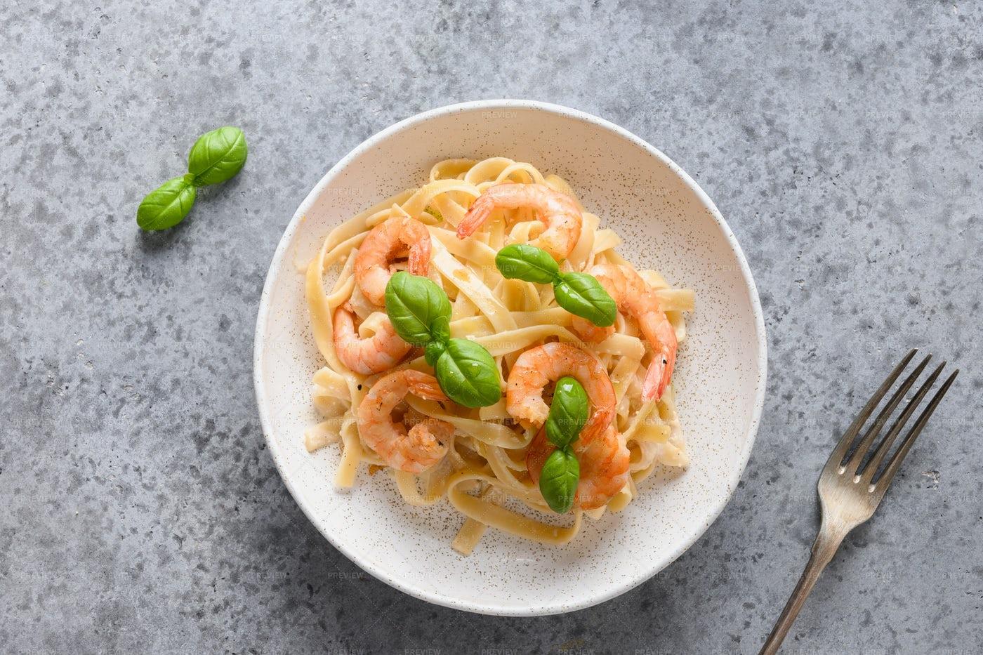 Fettuccine With Shrimps: Stock Photos