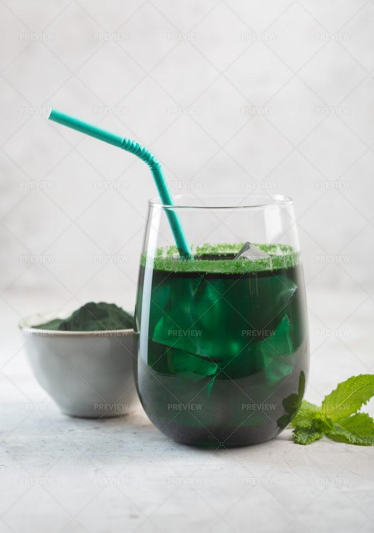 Green Drink With Chlorella: Stock Photos