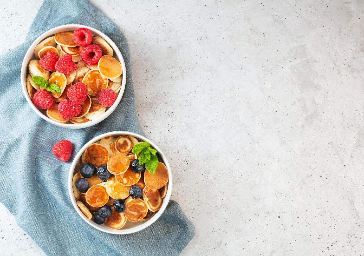 Mini Fruity Pancakes: Stock Photos
