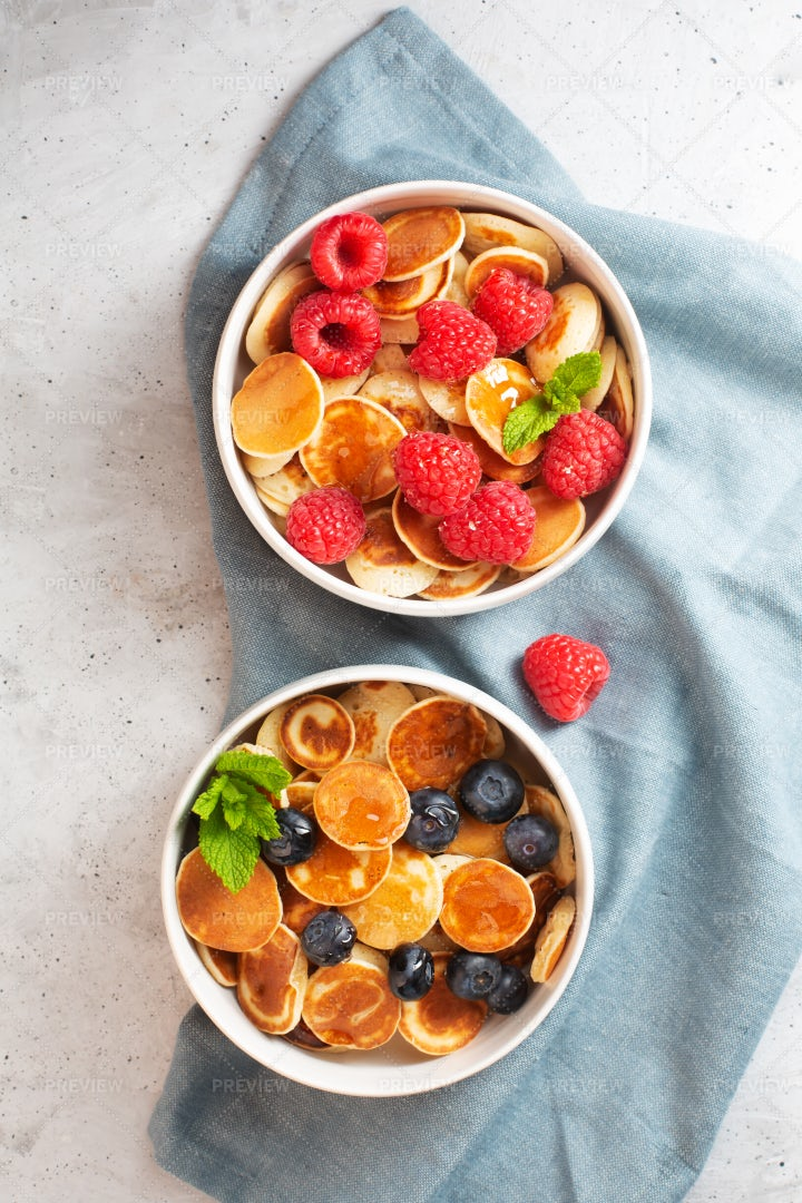 Small Pancakes With Fruits: Stock Photos