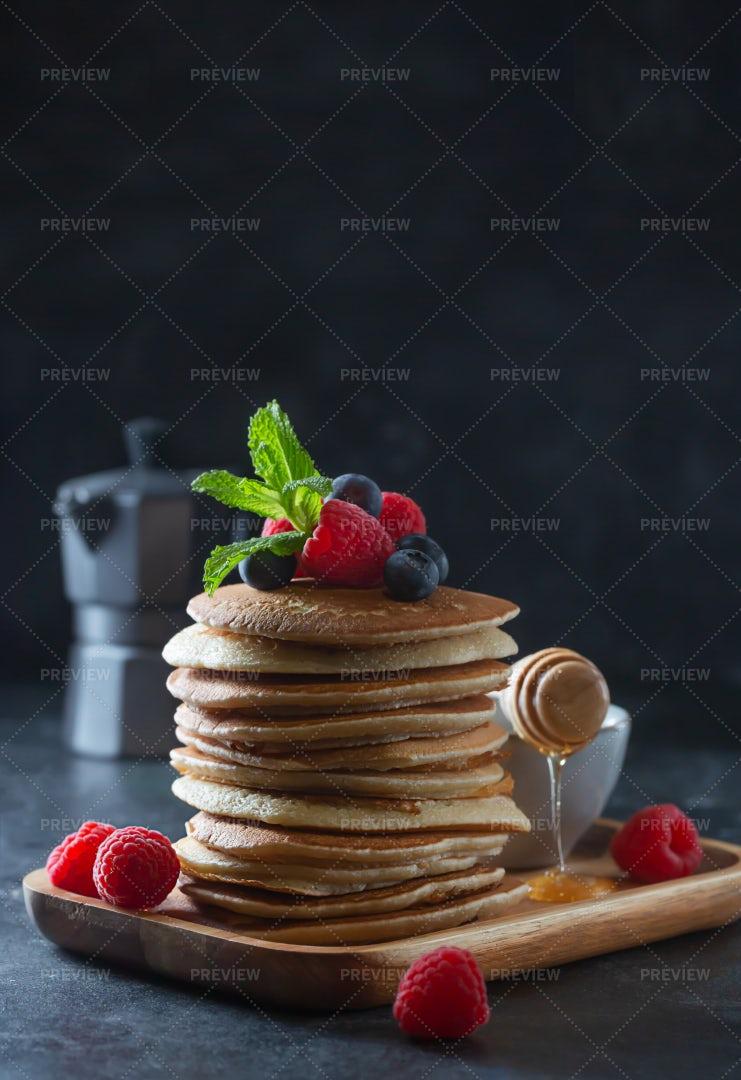 Pancakes With Berries: Stock Photos