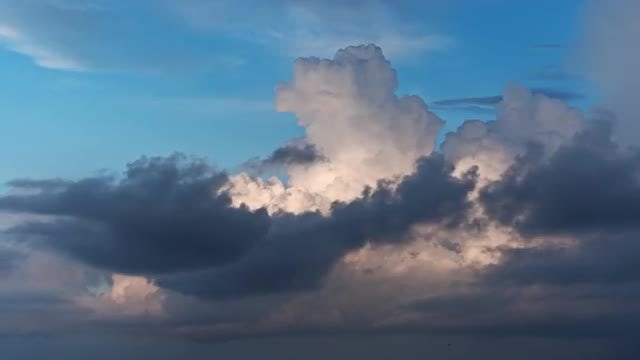 Big Clouds Timelapse: Stock Video