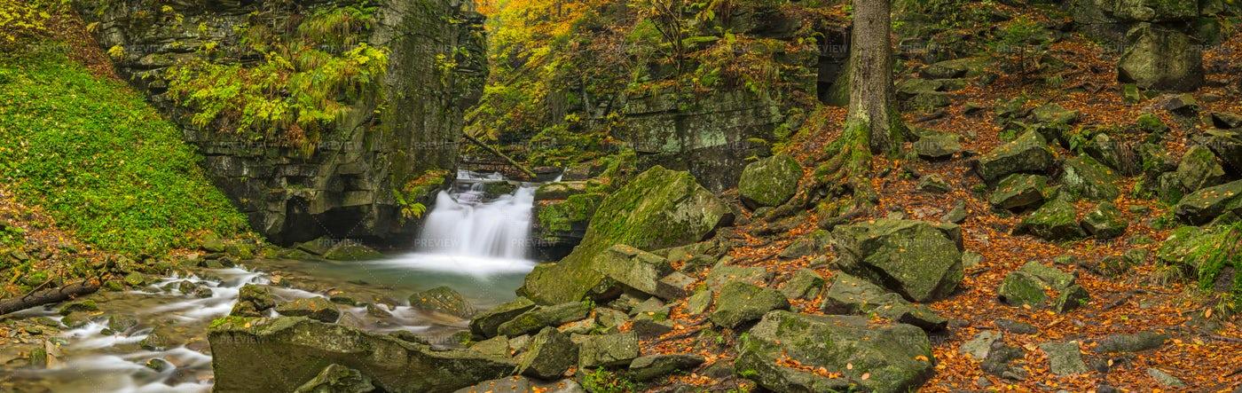Autumn Waterfalls: Stock Photos