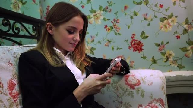 Beautiful Girl Chatting On Smartphone : Stock Video