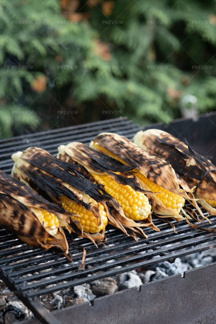 Grilled Corn: Stock Photos