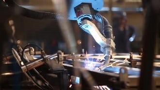 Industrial Welding Robot 04: Stock Video