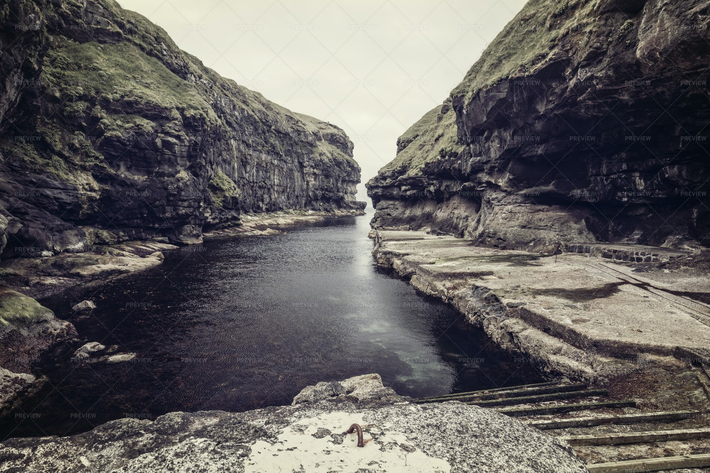 Natural Harbours In Gjogv: Stock Photos