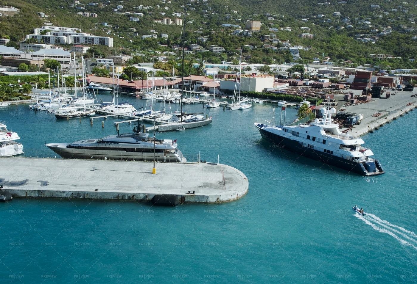 Luxury Yachts: Stock Photos