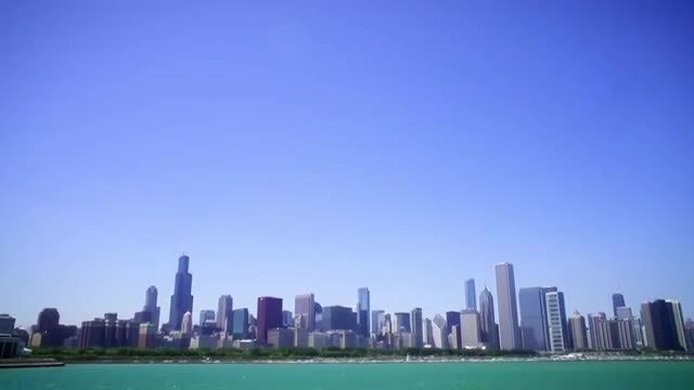 Pan Down Of Chicago Downtown : Stock Video
