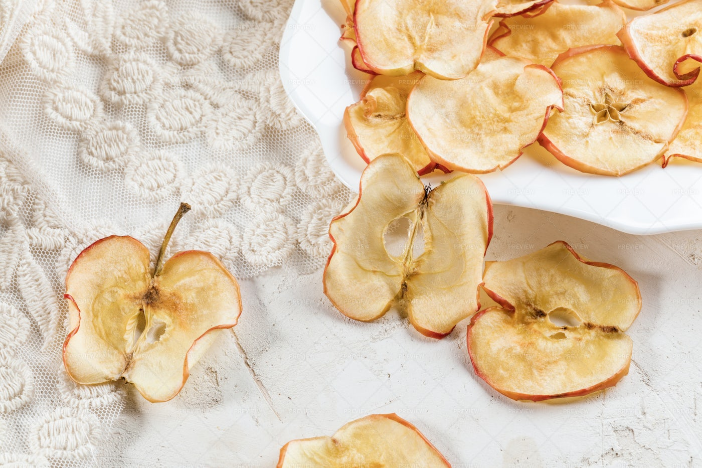 Apple Chips On White.: Stock Photos
