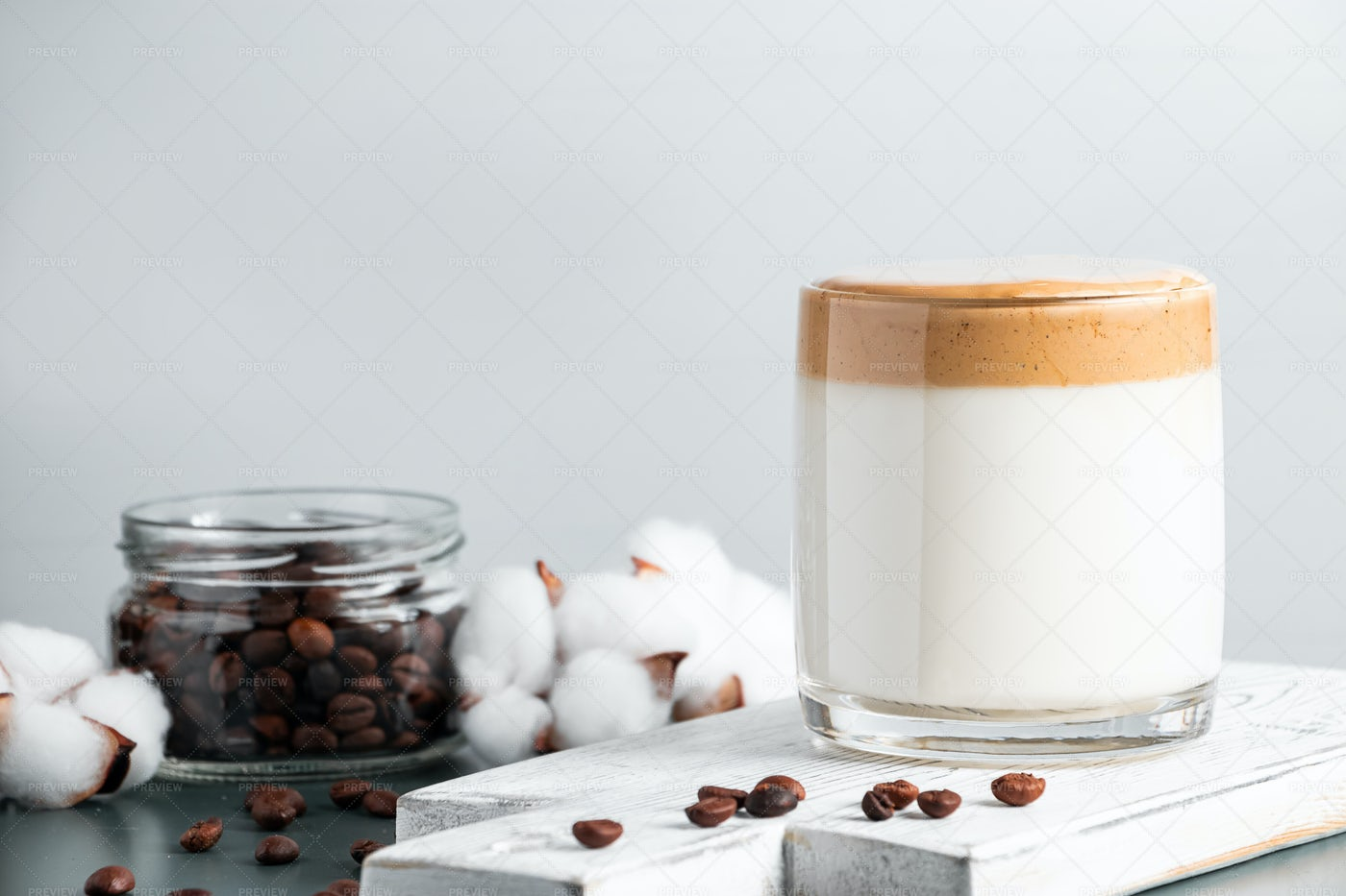 Iced Dalgona Coffee.: Stock Photos