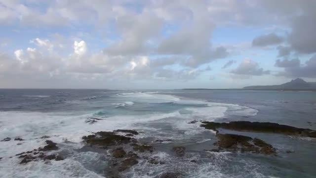 Ocean Waves Crushing On Shore: Stock Video
