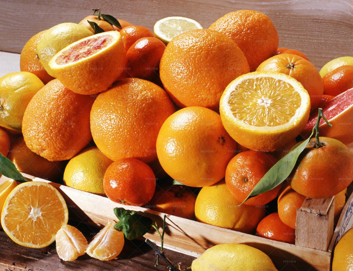 Box Of Oranges: Stock Photos