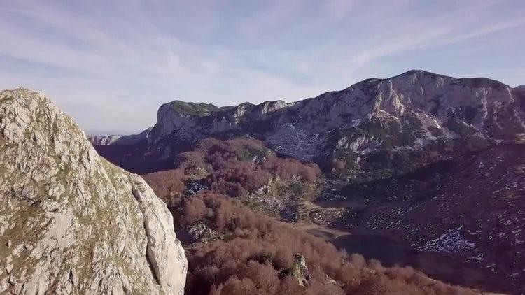 Beautiful Mountain In Autumn: Stock Video